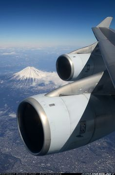 View of Mount Fiji and the engines of a Cathay Pacific Boeing 747-467