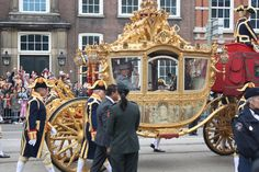 And the royals travel around in ugly carriages like this. Beautiful Places In The World, Great Places, Utrecht, Travel Around, Being Ugly, Holland, Amsterdam, Places To Visit, Earth