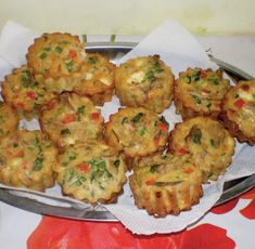 briose-ap. eritiv Baby Food Recipes, My Recipes, Cake Recipes, Ricotta, Food Videos, Cauliflower, Food To Make, Deserts, Muffin