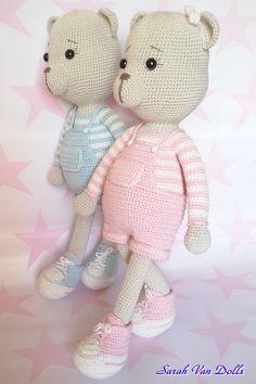 Lua & luy son unos lindos ositos,handmade cotton Katia baby. Creados hasta el más mínimo detalle para ser ideal en los juegos infantiles,decorar su habitación y un bonito regalo.Miden 41 x 16.