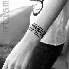 Black Lines Wrist tattoo                                                                                                                                                      Más