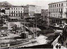 Κατασκευή του υπογείου σταθμόυ του ηλεκτρικού σιδηροδρόμου στην πλατεία Ομονοίας, περί τα τέλη της δεκαετίας του 1920