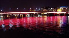 London Bridge at Night    http://distributedresearch.net/blog/2004/12/12/london-bridge-at-night