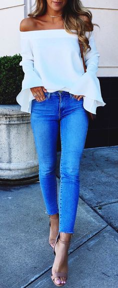 mode Allt om säsongens hetaste trender This date night outfit is one of the best cute outfits! Look Fashion, Denim Fashion, Autumn Fashion, Fashion Outfits, Womens Fashion, Trendy Fashion, Feminine Fashion, Fashion Ideas, Fashion Clothes