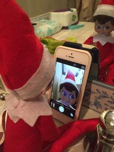 For the Elfie-taker: | 19 Last-Minute Elf On The Shelf Ideas