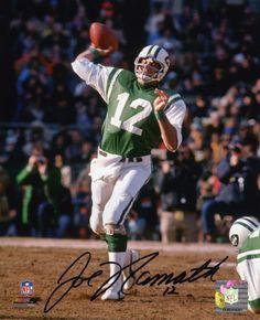 Joe Namath New York Jets too bad he had bad knees cause he was a runner . Jets Football, Alabama Football, Football Fans, Football Players, School Football, American Football League, National Football League, Football Photos, Sports Photos