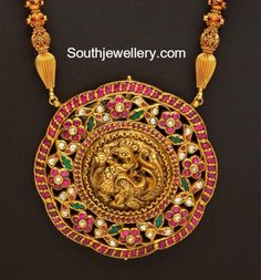 Gold Long Chain with Peacock Pendant photo Pendant Jewelry, Gold Jewelry, Beaded Jewelry, Diamond Jewellery, Chain Pendants, Gold Pendant, India Jewelry, Temple Jewellery, Indian Jewellery Design