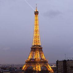 """#eiffeltower #cityoflights #paris #dusk #lights #toureiffel #nikon #d7100"""