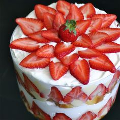 super easy strawberry trifle