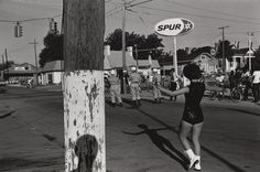 Lee Friedlander: Reflections of the street | Out For A Walk - Street Photography Blog