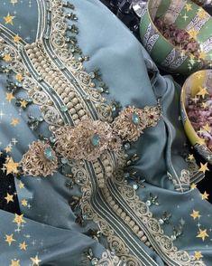 @Regrann from @majorelle.caftan - New caftan #newcollection #majorellecaftan #caftan #moroccancaftan #kaftan #caftandumaroc #maroc #jellaba #dress Moroccan Caftan, Moroccan Style, African Traditional Dresses, Traditional Outfits, Punk Fashion, Lolita Fashion, Emo Dresses, Fashion Dresses, Kaftan Style