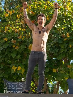 First Look! Shirtless, Tattooed James Franco Faces off with Bryan Cranston in…