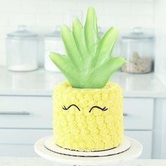 New Cake Pineapple Birthday Ideas Ideas Pretty Cakes, Cute Cakes, Beautiful Cakes, Amazing Cakes, Gateau Iga, Pinapple Cake, Pinapple Birthday Cake, Flamingo Cake, Summer Cakes