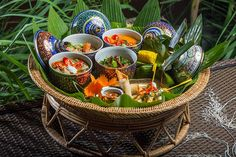 Tuck into the endless array of fiery flavours sweet spices and mouth-watering menus of the world. Thai Food Dishes, Sweet Spice, World Recipes, Thai Recipes, Aesthetic Food, International Recipes, Food Presentation, Food Design, Food Styling