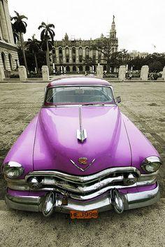 Une #voiture américaine, en visite à Cuba