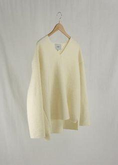 Sorént Oslo | MAY Sweater | Women's wear Oslo, Off White, Bell Sleeve Top, Sweaters For Women, Women Wear, Sleeves, Model, How To Wear, Tops