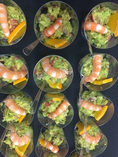 Ensalada de aguacate con langostinos, entrante frío | Catering La Despensa