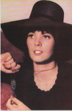 reka nagy - Căutare Google Vintage Pictures, Cowboy Hats, Mona Lisa, Actresses, Romani, Artwork, Google, Inspiration, Fashion