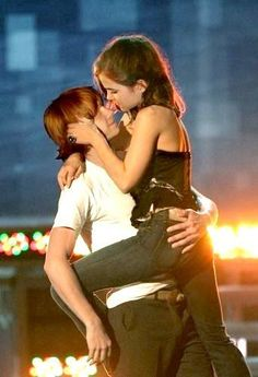 that kiss in the movie should have been like this!!!