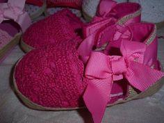 Baby Girl Steps - Sandálias de renda e corda. Apertam com velcro e têm um laço no remate. Diversas cores e tamanhos. Baby Shoes, Kids, Fashion, Lace, Shoes, Colors, Princesses, Young Children, Moda