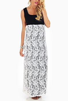 Black-White-Lace-Colorblock-Maternity-Maxi-Dress #lacemaxidress #maternitymaxis #cutematernityclothes