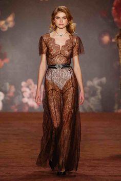 Best of Fashion Week Berlin: Fashion Show von Lena Hoschek http://elfashion.de/2016/01/best-of-fashion-week-berlin-fashion-show-von-lena-hoschek/