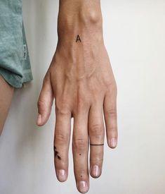 Hand Tattoos, Dainty Tattoos, Finger Tattoos, Body Art Tattoos, Small Tattoos, Cool Tattoos, Black Tattoos, Hidden Tattoos, Sleeve Tattoos