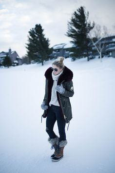 Shop this pic from Winter getaway outfit Cold Weather Fashion, Cold Weather Outfits, Mountain Style, Mountain Fashion, Snow Mountain, Jay Peak Resort, Outfits Otoño, Outfit Invierno, Snow Outfit