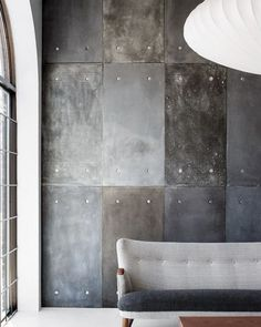 your own concrete-effect feature wall using cement fibre board with plaster and paint finish techniques.Make your own concrete-effect feature wall using cement fibre board with plaster and paint finish techniques. Deco Design, Wall Design, House Design, Design Art, Interior Design Minimalist, Industrial Interiors, Industrial Living, Industrial Style, Industrial Bedroom