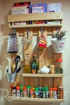 Pallet #kitchen organizer.