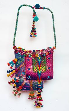 The neck piece is a collaboration between Richar Albites, Sasha McInnes and Maximo Laura. The techniques include weaving, tapestry weaving, braiding, knotting, coiling, hand embroidery and pompoms and are constructed using small pieces Sasha collected over many years of living and traveling in Peru. Collection of Sasha McInners. #Peru
