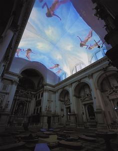 "Pipilotti Rist - ""Homo sapiens sapiens"", 2005, installation audio-vidéo, Eglise San Stae, Venise"