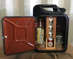 Upcycled Jerrycan Jerry kann Minibar recycelt von Trongupcycling