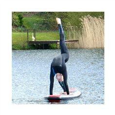 #SUP#wateracrobatic
