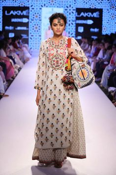 Highlights from Lakme Fashion Week Summer/Resort 2015 Lakme Fashion Week, India Fashion, Ethnic Fashion, Punk Fashion, Lolita Fashion, Indian Attire, Indian Ethnic Wear, Indian Style, Indian Dresses