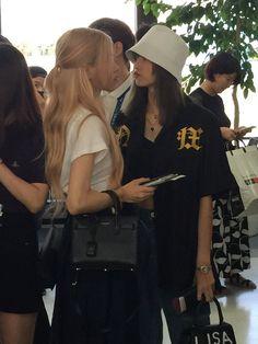 First Girl, My Girl, South Korean Girls, Korean Girl Groups, Thailand Princess, Jenny Kim, Mode Ulzzang, Blackpink Twitter, Blackpink Photos