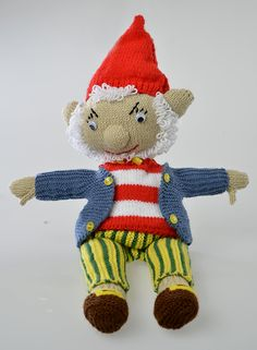 Knit a friendly Big Ears to play with Noddy! Animal Knitting Patterns, Christmas Knitting Patterns, Baby Patterns, Crochet Patterns, Knitting For Kids, Free Knitting, Baby Knitting, Knitted Dolls, Crochet Toys
