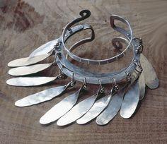 Alexander Calder (American 1898–1976), Bracelet 1948. Silver wire