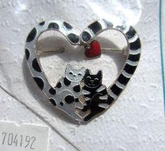 Zarah Black & White Cats Heart Brooch in Enamel on Sterling