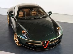 Worried about your coachbuilt Alfa Romeo looking too common in red? One customer was – so asked creator Touring Superleggera to paint his Disco Volante in a stunning green-and-gold scheme… Maserati, Bugatti, Bmw Classic Cars, Pretty Cars, Alfa Romeo Cars, Classy Cars, Fancy Cars, Sweet Cars, Top Gear