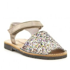 Sandalia menorquina piel FOSCO Espadrilles, Baby Shoes, Sandals, My Style, Fashion, Flat Sandals, Shoes For Girls, Over Knee Socks, Fur
