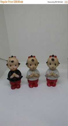 Offered for sale is a nice Made in Japan Porcelain Chinese figurines. The figures measure 2 3/4 inches.