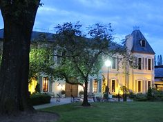 chateau ste michelle.  article about Woodinville wineries