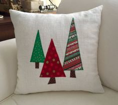 Christmas pillows/Three Trees Christmas 16 x 16 inch : Three Trees Christmas 16 x 16 inch Christmas Patchwork, Christmas Sewing, Christmas Diy, Christmas Cushions To Make, Diy Pillow Covers, Diy Pillows, Decorative Pillows, Homemade Pillows, Christmas Pillow Covers