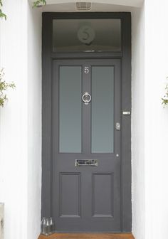 dream house: the front door. dream house: the front door. this also is a great colour for a front door - F&B down pipe possibly? Dark Grey Front Door, Gray Front Door Colors, Grey Doors, Black Door, Farrow And Ball Front Door Colours, Front Door Porch, House Front, Front Entry, Exterior Doors
