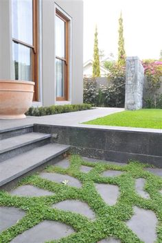 Melbourne Blue Stone Sand Blasted Stair Treads & Risers, with Crazy Paving