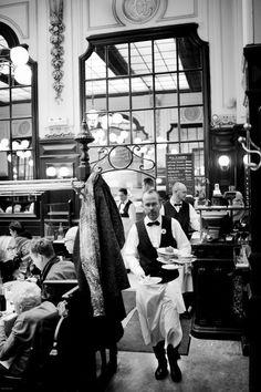 Chez Bouillon Chartier Paris by Bertrand Monney, via French Cafe, French Bistro, Old Paris, Vintage Paris, Old Photos, Vintage Photos, Cafe Concert, Parisian Cafe, Restaurant Paris