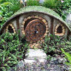 Hobbit house for miniature garden fairy garden amazing diy fairy garden ideas and beautiful accessories Casa Dos Hobbits, Polymer Clay Fairy, Clay Fairies, Fairy Furniture, Furniture Chairs, Furniture Online, Resin Furniture, Furniture Design, Fairy Garden Houses