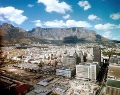 Beginnings of the Golden Acre late 1969 - Cape Town photos / South Africa All About Africa, Cape Town South Africa, Table Mountain, Dream City, African History, Old Pictures, Live, Wonders Of The World, Dolores Park