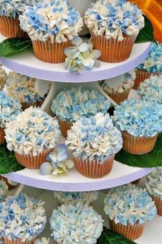Flower Wedding Cupcakes That Look Like Real Flowers ❤︎ Wedding planning ideas & inspiration. Wedding dresses, decor, and lots more. wedding cakes with cupcakes 24 Flower Wedding Cupcakes That Look Like Real Flowers Hydrangea Cupcakes, Cupcakes Flores, Flower Cupcakes, Blue Cupcakes, Blue Hydrangea Centerpieces, Blue Hydrangea Wedding, Garden Cupcakes, Spring Cupcakes, Pretty Cupcakes